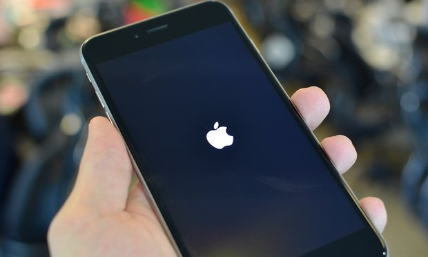 Touchscreen Chip Flaw Renders Some iPhone 6 and 6 Plus Devices Useless