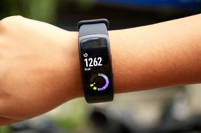 Tech Lasers Review: Samsung Gear Fit 2 Pro