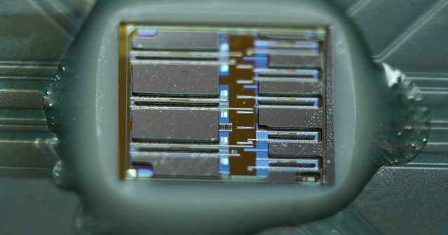 Optoelectronic Chips